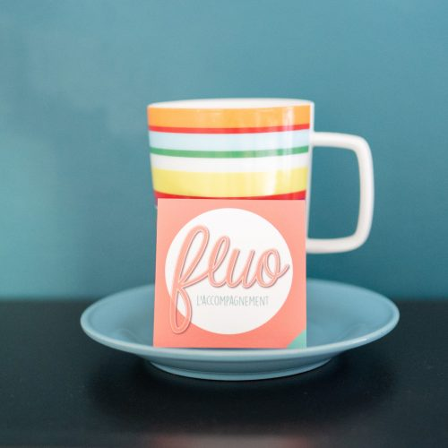 0071_mug cafe fluo mur bleuFluo_l_accompagnement_-71